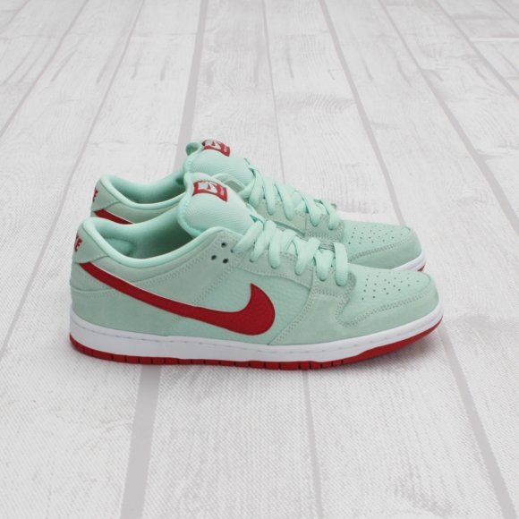 Nike SB Dunk Low Pro Medium Mint | Nike sb dunks, Nike