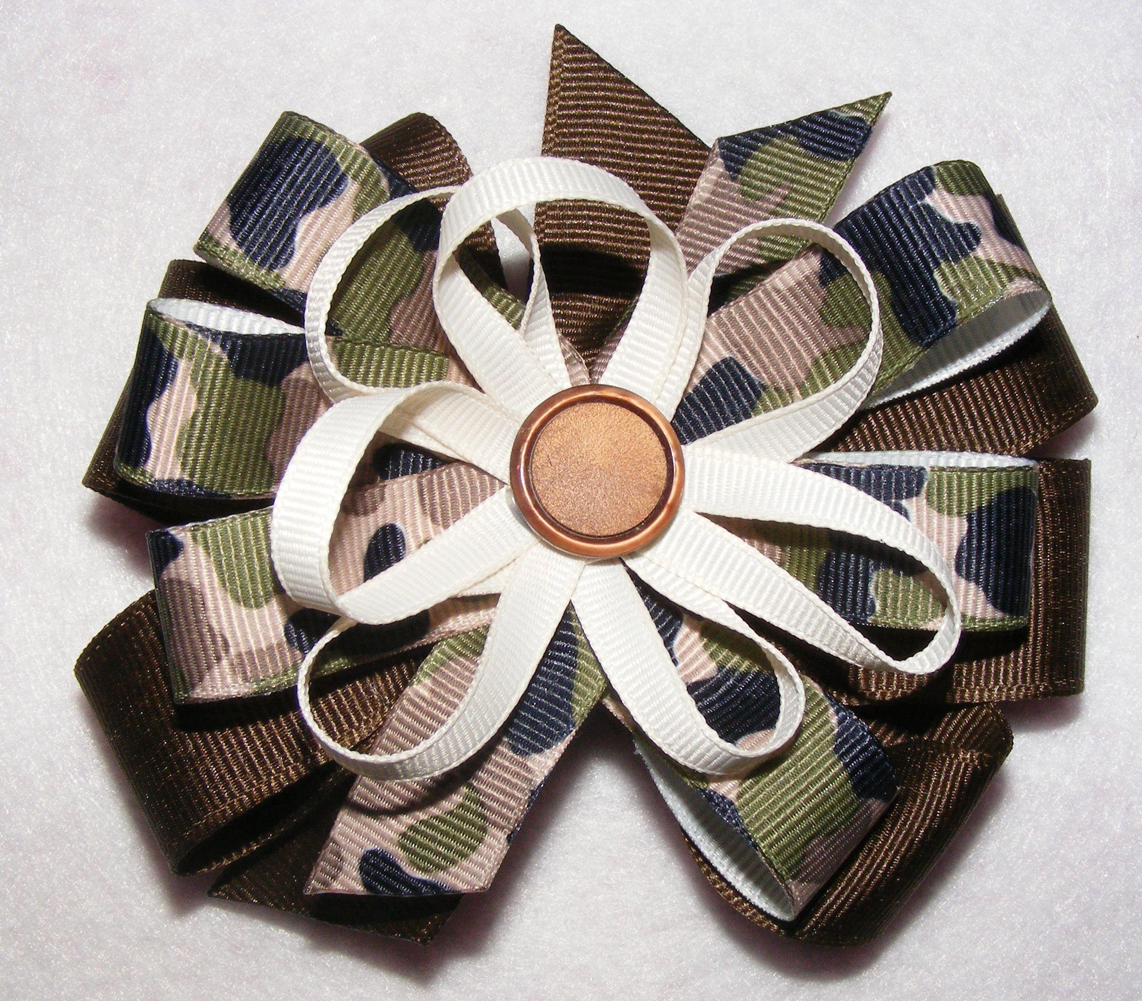 camo hair bow with button center