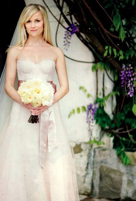 Reese Witherspoon S Wedding To Jim Toth March 2017 The Dress That Caught Everyone Attention For Her Wore A