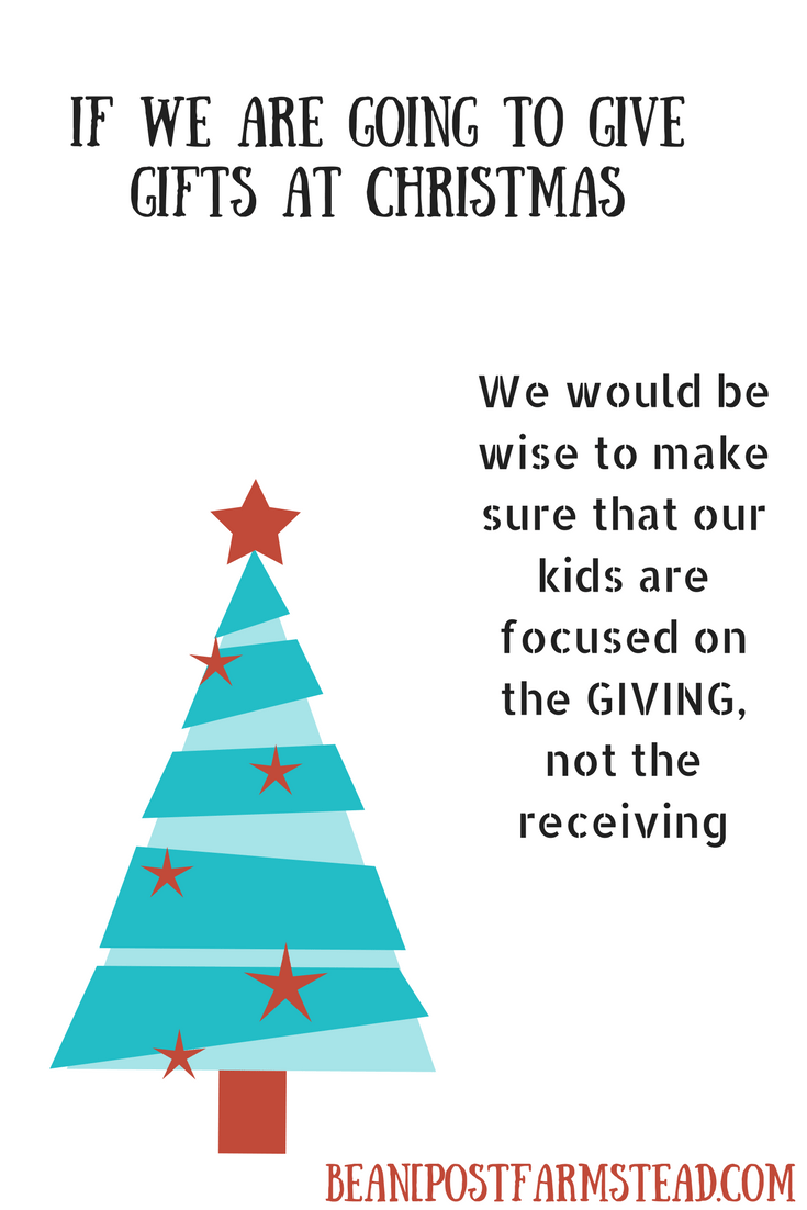 Let\'s have A Gift Centered Christmas | Creative Holiday Idea`s ...