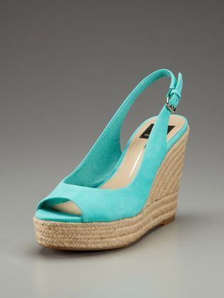 Love this color. They don't have my size on Gilt Groupe today and that's probably for the best because I am SO tempted.