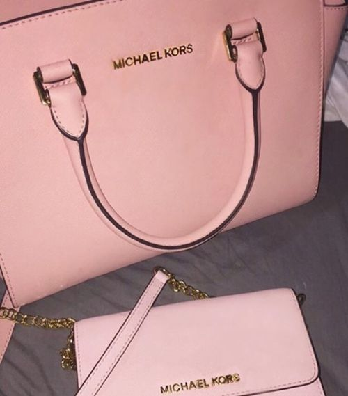 LadyySkyee♛ | Michael kors outlet, Handbags michael kors