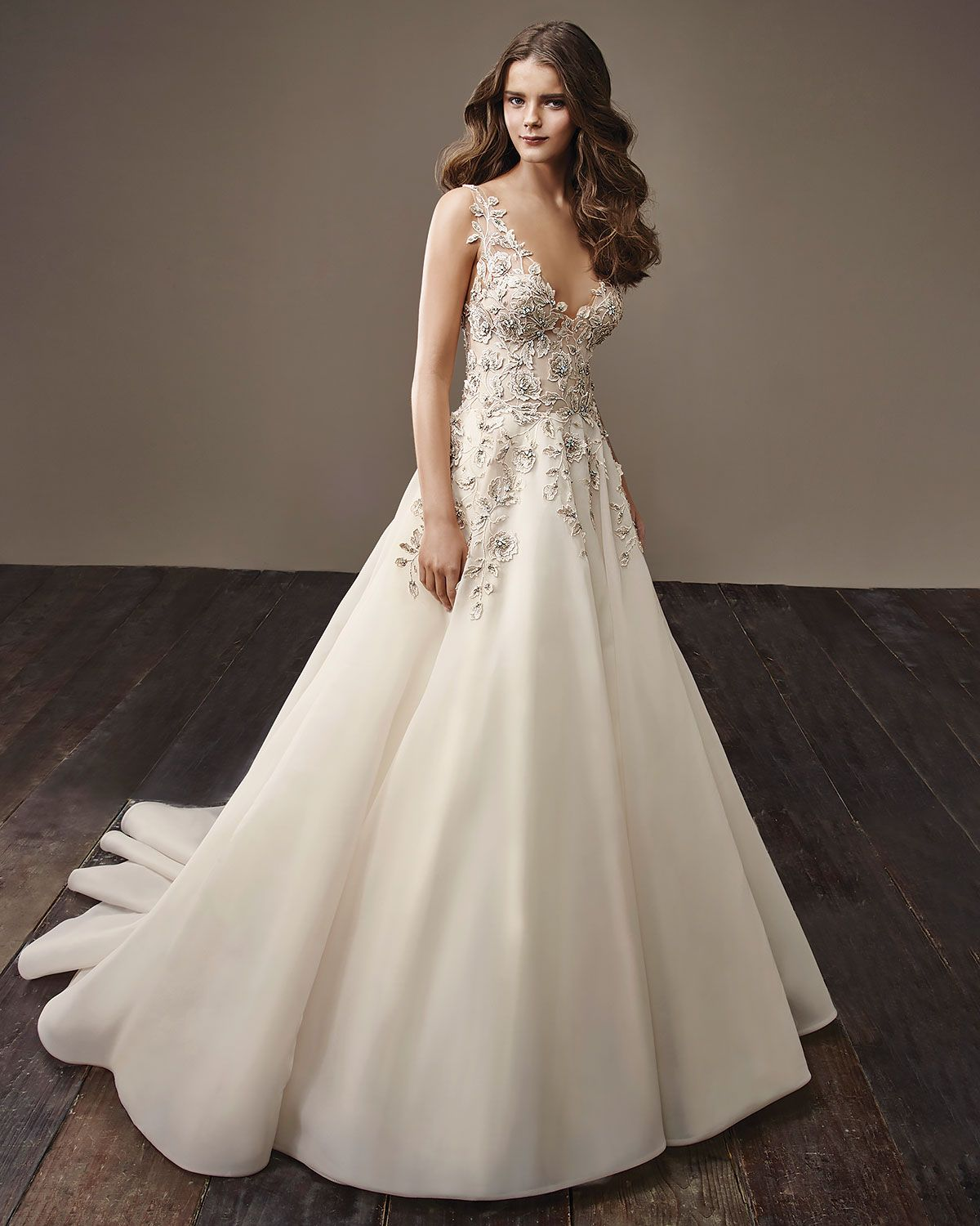 brooke wedding gown by badgley mischka a curated wedding