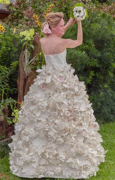 Dresses Made From Toilet Paper This Week In New York City 10 Designers Showed Off Their Wedding Gowns A Runway Show All Vying For