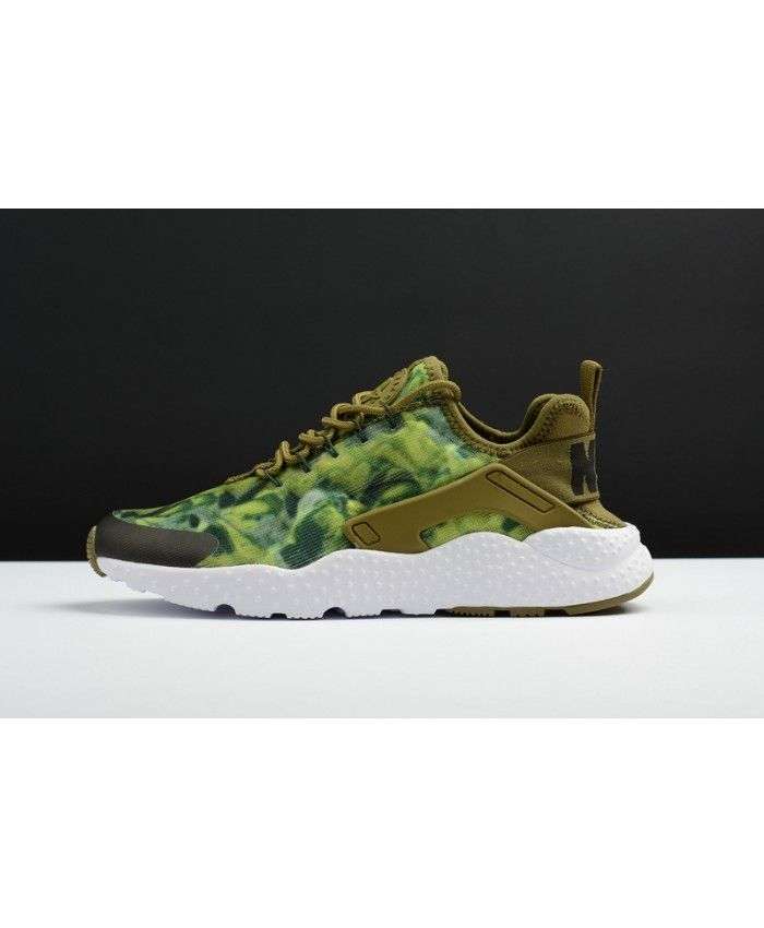 hot sale online 7608c 42bfb Nike Air Huarache Run Ultra Army Green Black Trainer From the appearance of  the color is very beautiful. Is this style is a very good one.