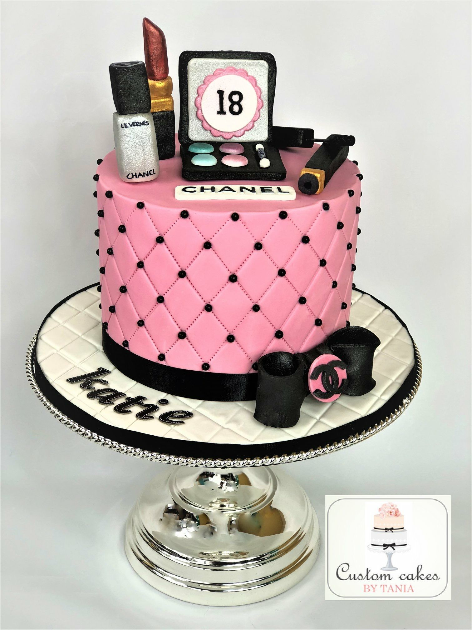 cake design for makeup Cakes - Custom cakes by Tania #makeupcaking 1th birthday Coco