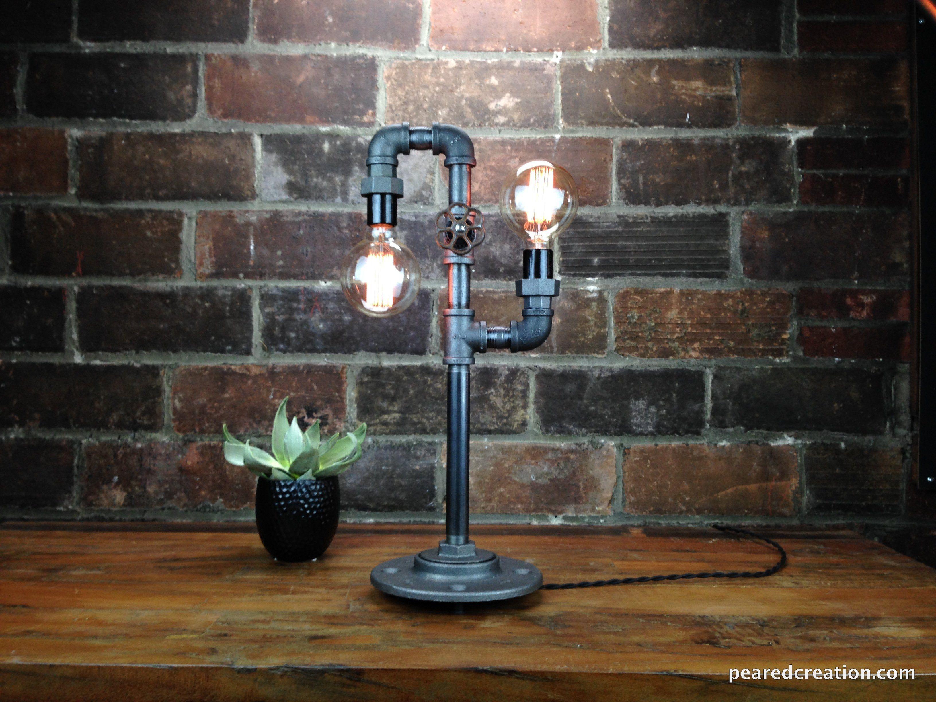 industrie stil lampe aus baustahl und gl hbirne lampen pinterest industrie stil lampen. Black Bedroom Furniture Sets. Home Design Ideas