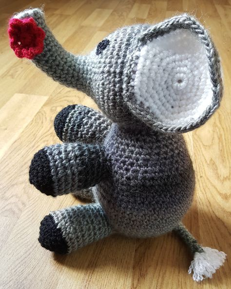 A free pattern showing how to make a crochet elephant. Easy -moderate pattern.