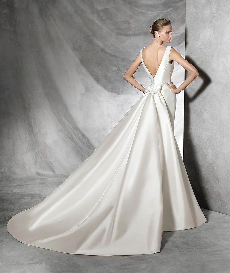 TRISA - Vestido de noiva simples e original | Brautkleider, Kleider ...