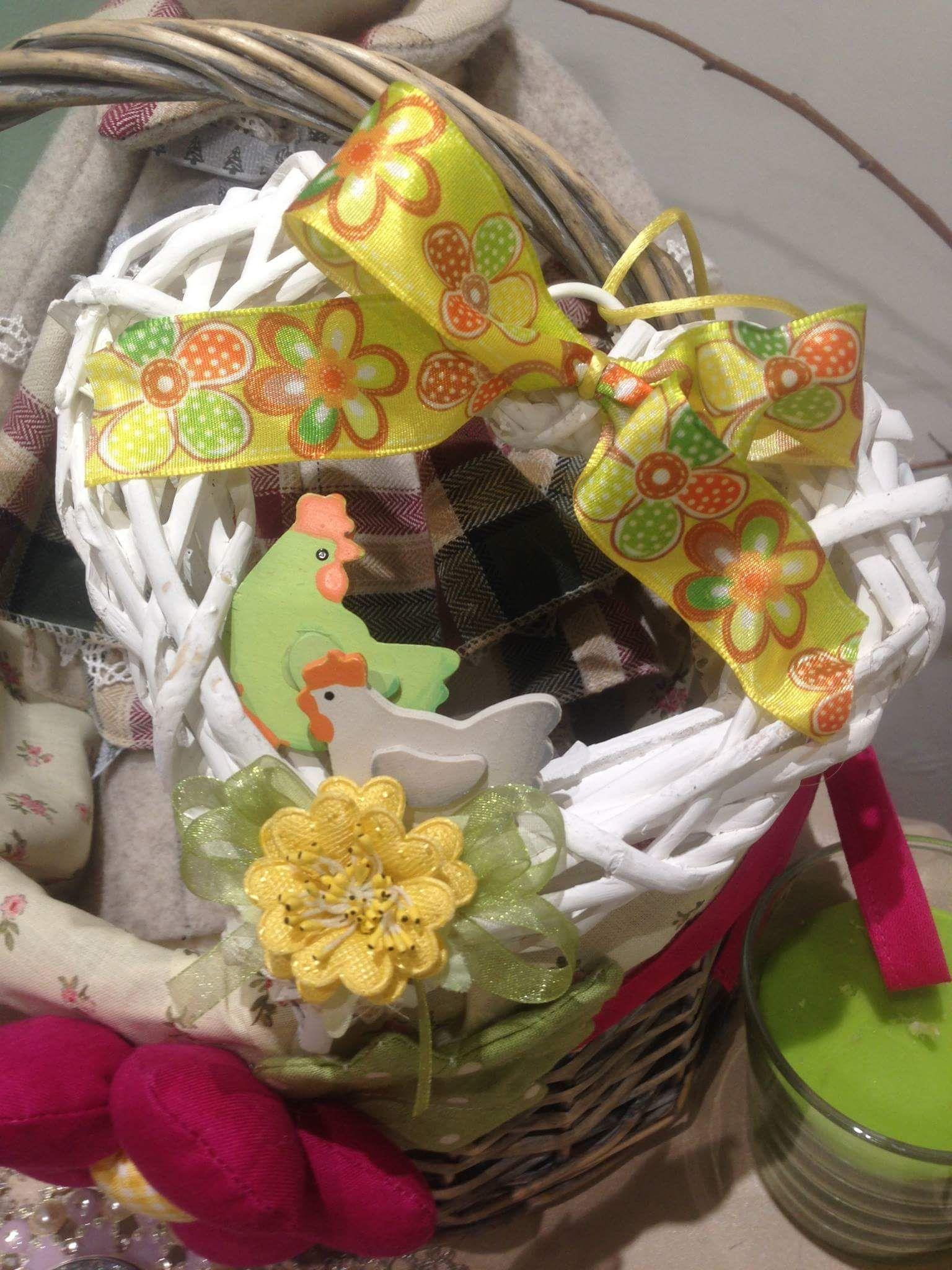 Creazioni di Pasqua con pochissimi materiali: veloci ed economici!