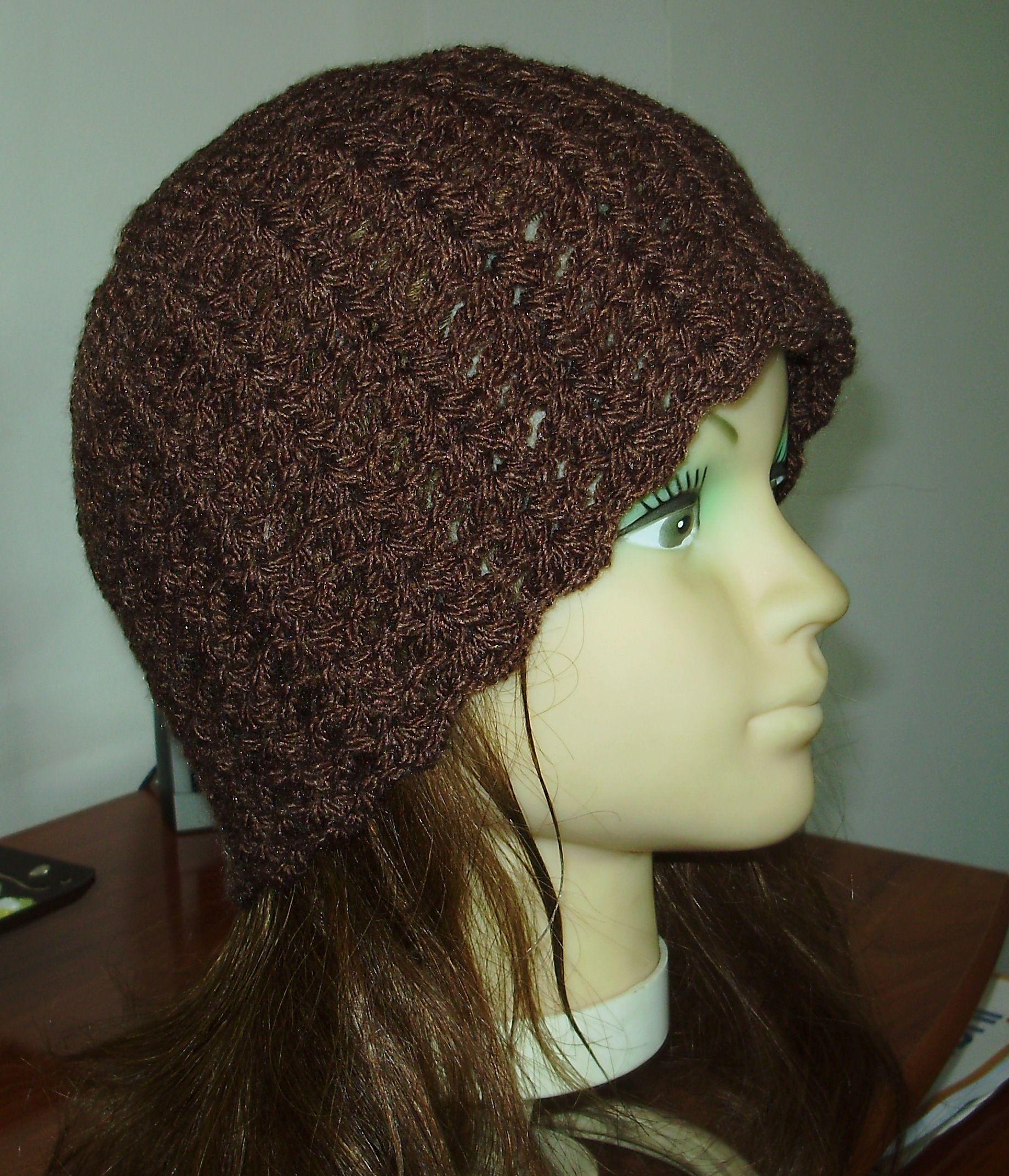 Gorrito tejido a crochet color cafe perfecto para el invierno ...
