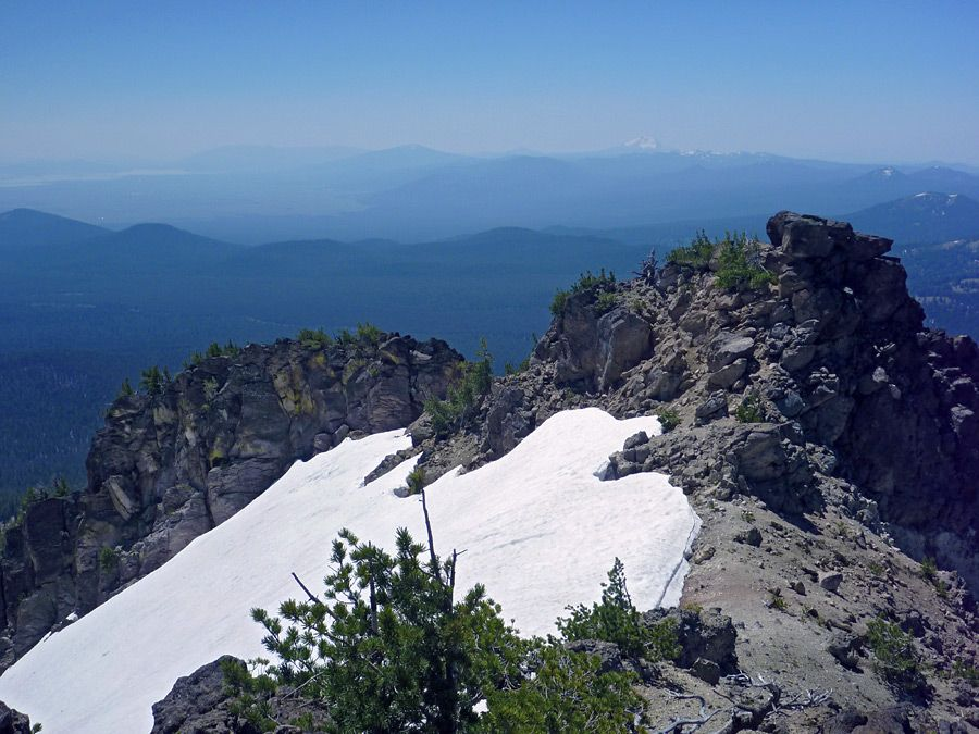 Map Of Oregon Mountain Ranges%0A Pictures of the Mount Scott Trail  Crater Lake National Park  Oregon  Rocky  outcrop  at the south end of the summit ridge  view south  towards Klamath  Lake