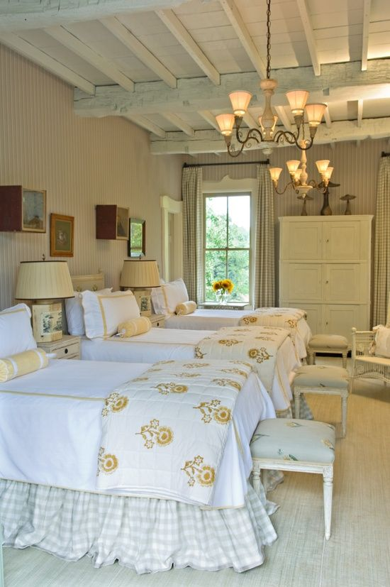 what an amazing room imaging three sisters all a year apart rh pinterest com