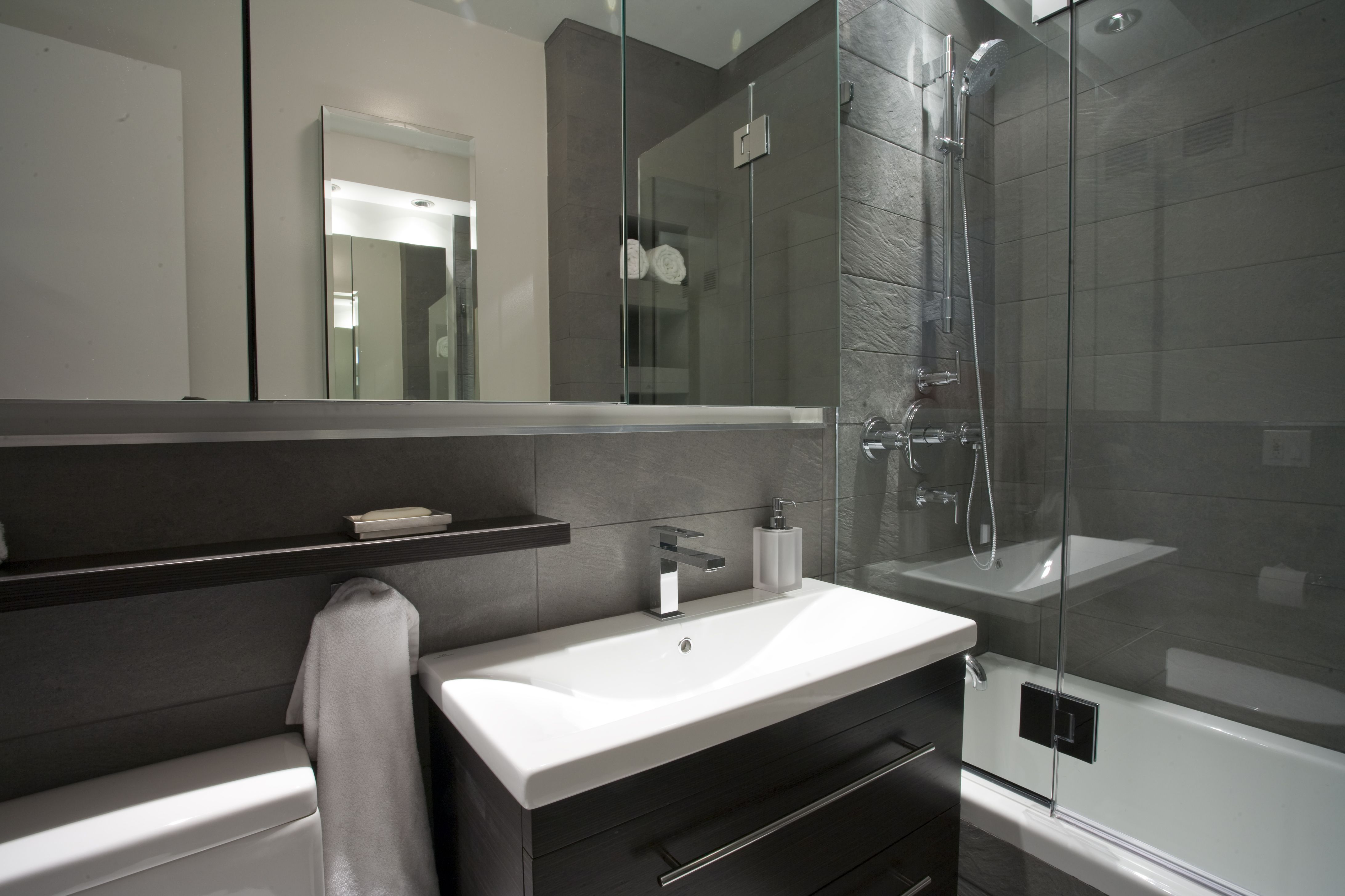 Small bathroom remodel ideas can include the