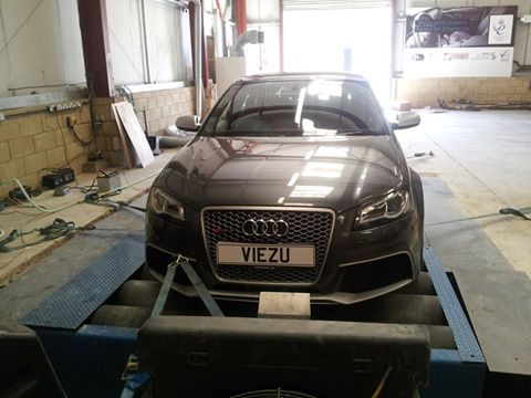 Audi Rs3 on the dyno for tuning at viezu | Viezu Performance Tuning