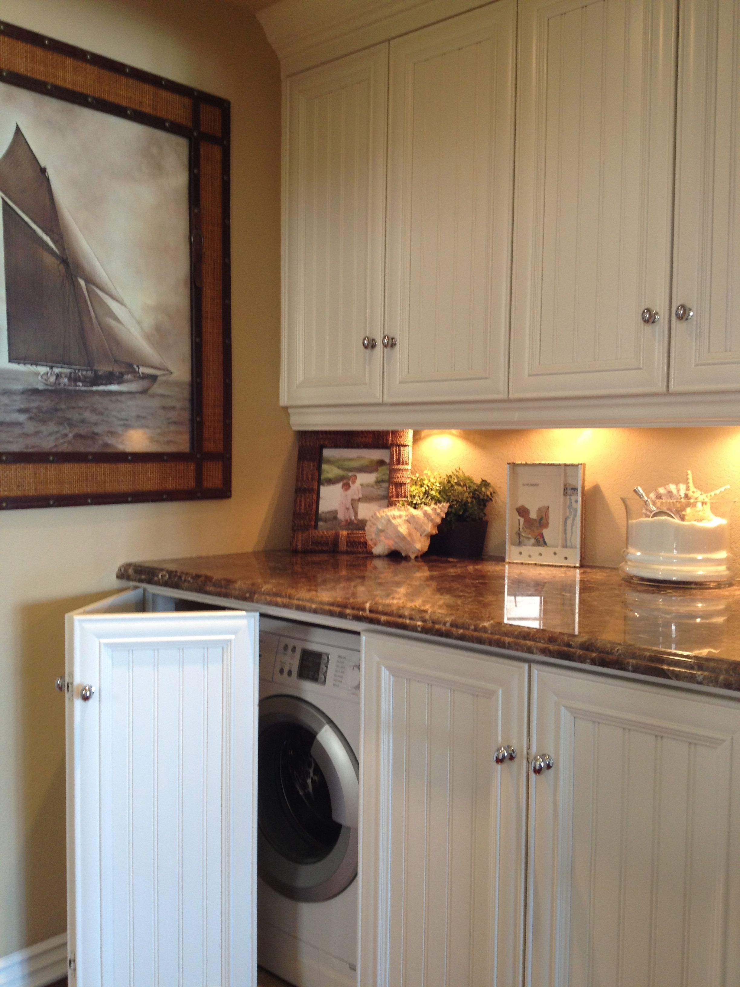 Kitchen Laundry Room Design: Lots Of Cupboard Space In The Kitchen That We Don't Really