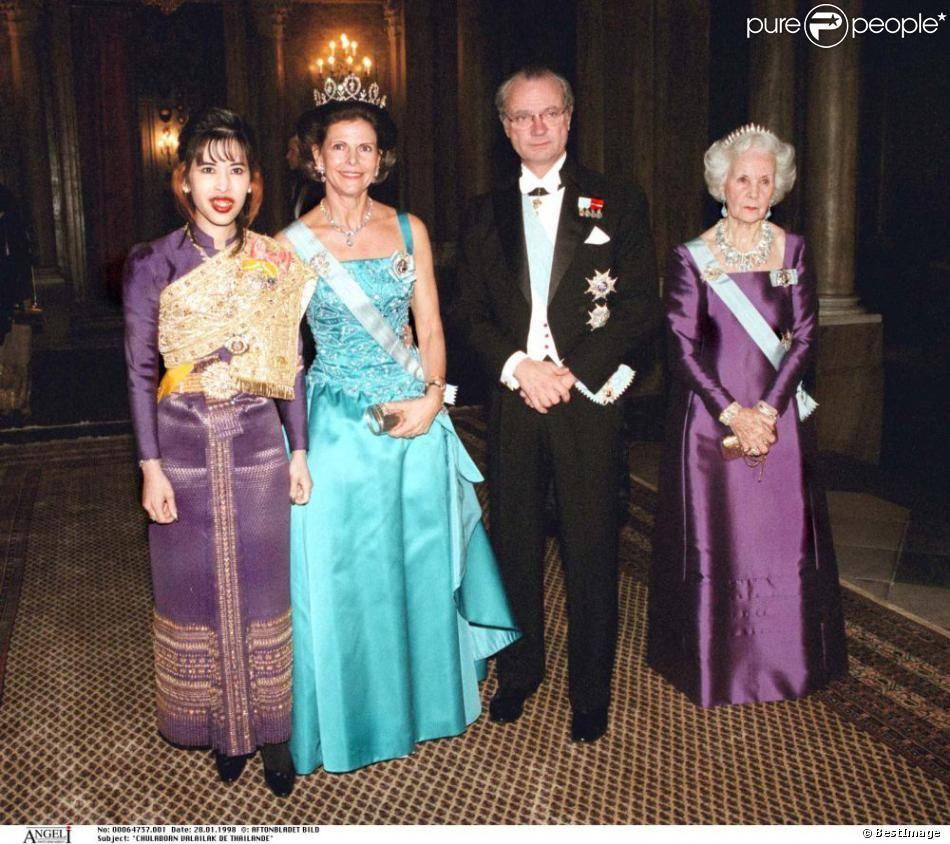 Chulaborn Valailak de Thaïlande, la reine Silvia de Suède, le roi Carl Gustaf et la princesse Lilian, Stockholm, le 28 janvier 1998