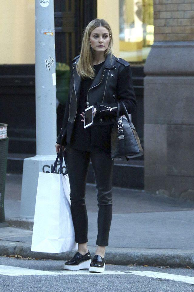 Dos looks de Olivia Palermo para sobrevivir con estilo al