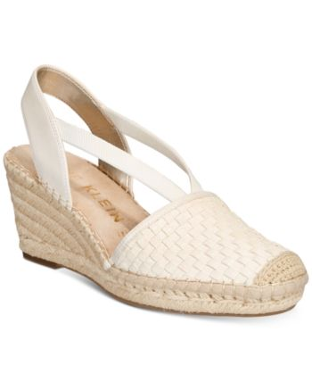 91846eed1be Anne Klein Aneesa Wedge Sandals - Gold 5.5M in 2019   Products ...