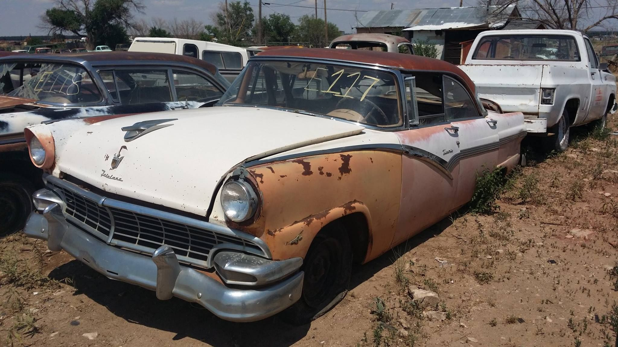 1956 Ford Cool Old Cars Rusty Cars Fairlane