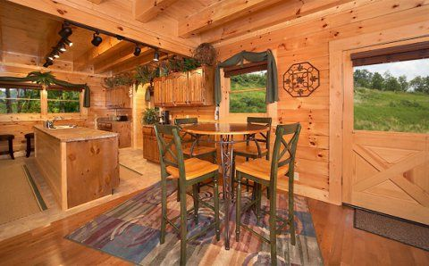 Find A Large Cabin Rental In Gatlinburg Pigeon Forge Tn Beautiful Cabins Cabin Rentals Cabin