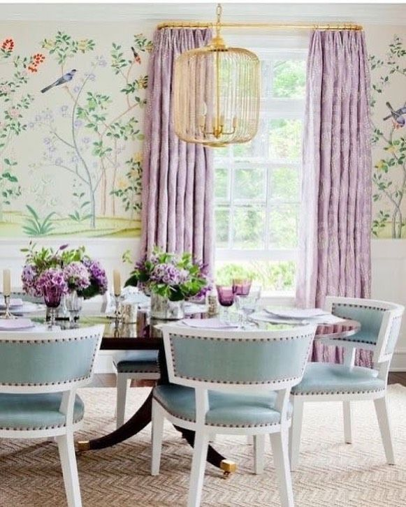 "Maggie's World on Instagram: ""Such a cheerful dining room with lilac curtains. Designed by #leslie #diningroomdecor #lilac #classicdecor #wallpaperlove"""