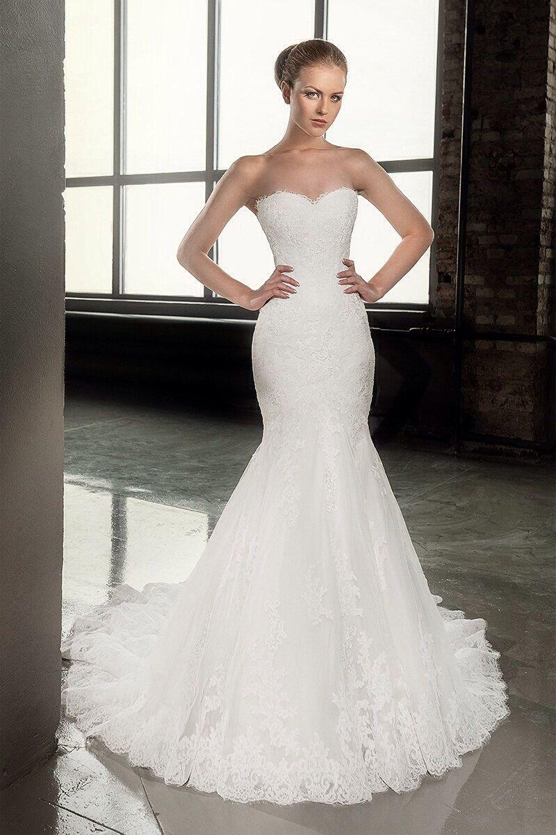 Cheap country lace wedding dresses  Décolleté wedding dressSweet heart wedding dressLace wedding dress