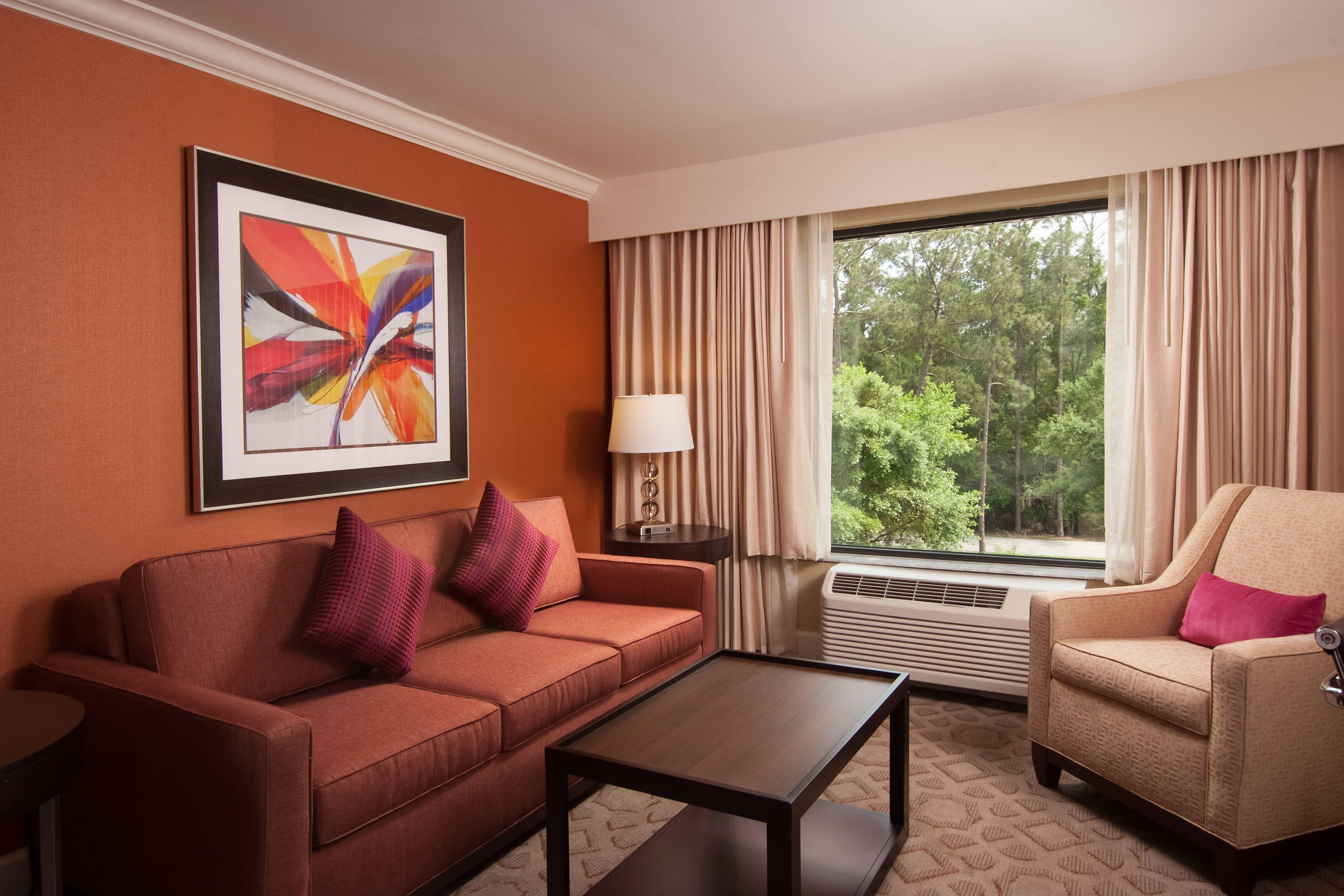 Delta Hotels Orlando Lake Buena Vista Junior Suite Living Area Suite Happy Guestroom Orlando Hotel Orlando Lakes Lake Buena Vista