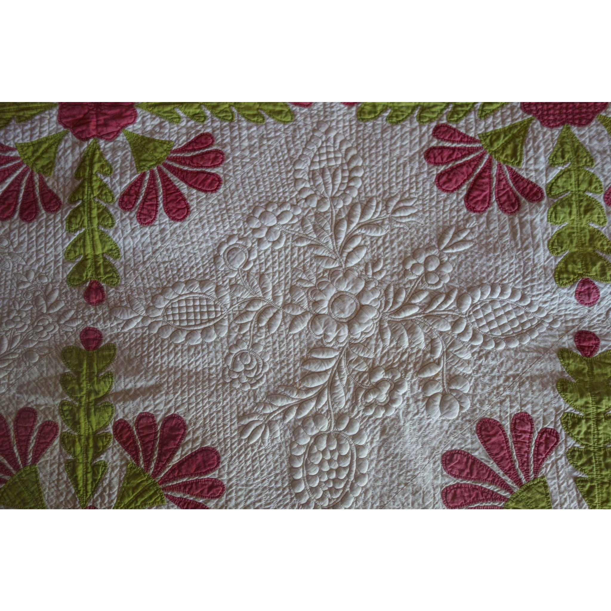 Trapunto applique quilt exquisite initialed us applique quilts