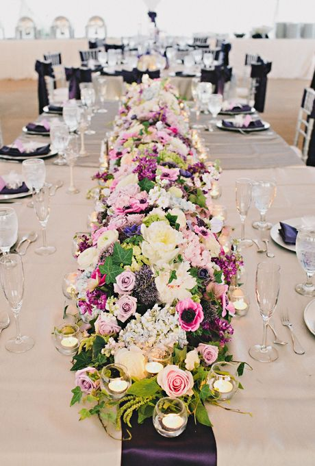 31 Fresh Flower Table Runners For Every Wedding Style In