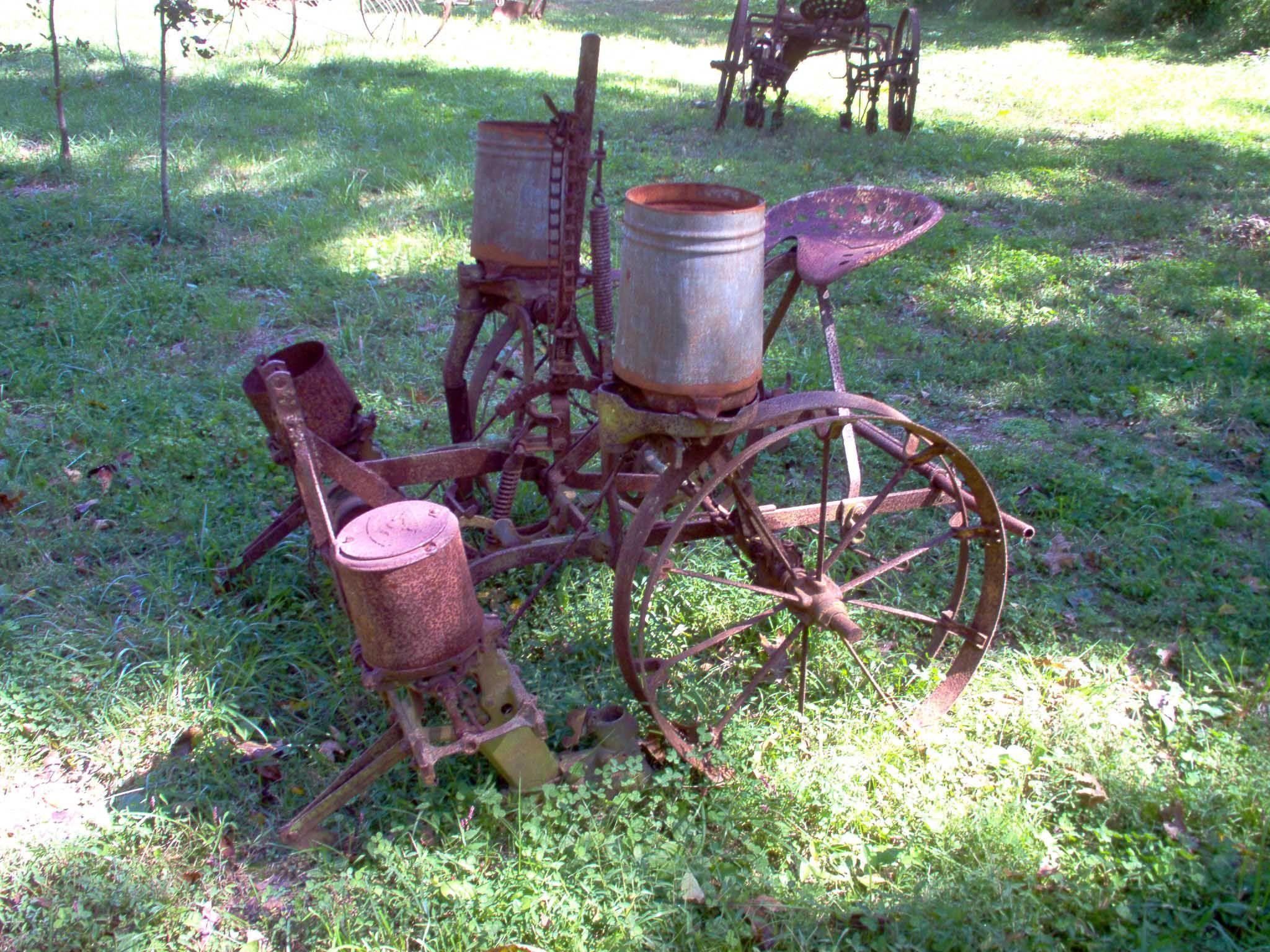 Antique Farm Equipment For Sale Maquinaria Agricola Tractor Carretilla