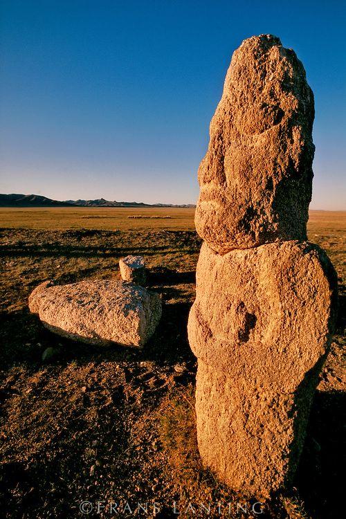 Turkish grave statues, Hustain Nuruu National Park, Mongolia,蒙古