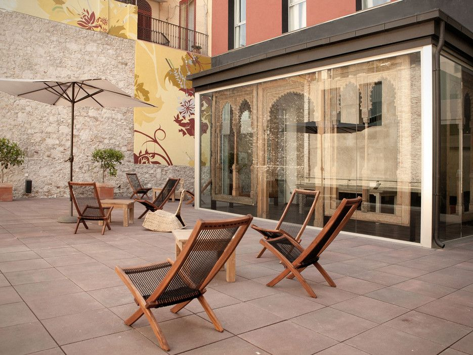 affordable hotels in europe's