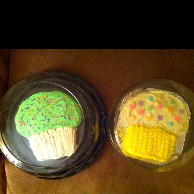Cupcake cakes!