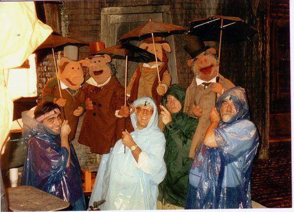 45 Awesome Behind-the-Scenes Photos of Muppets and Muppeteers   The muppet show, Christmas carol ...