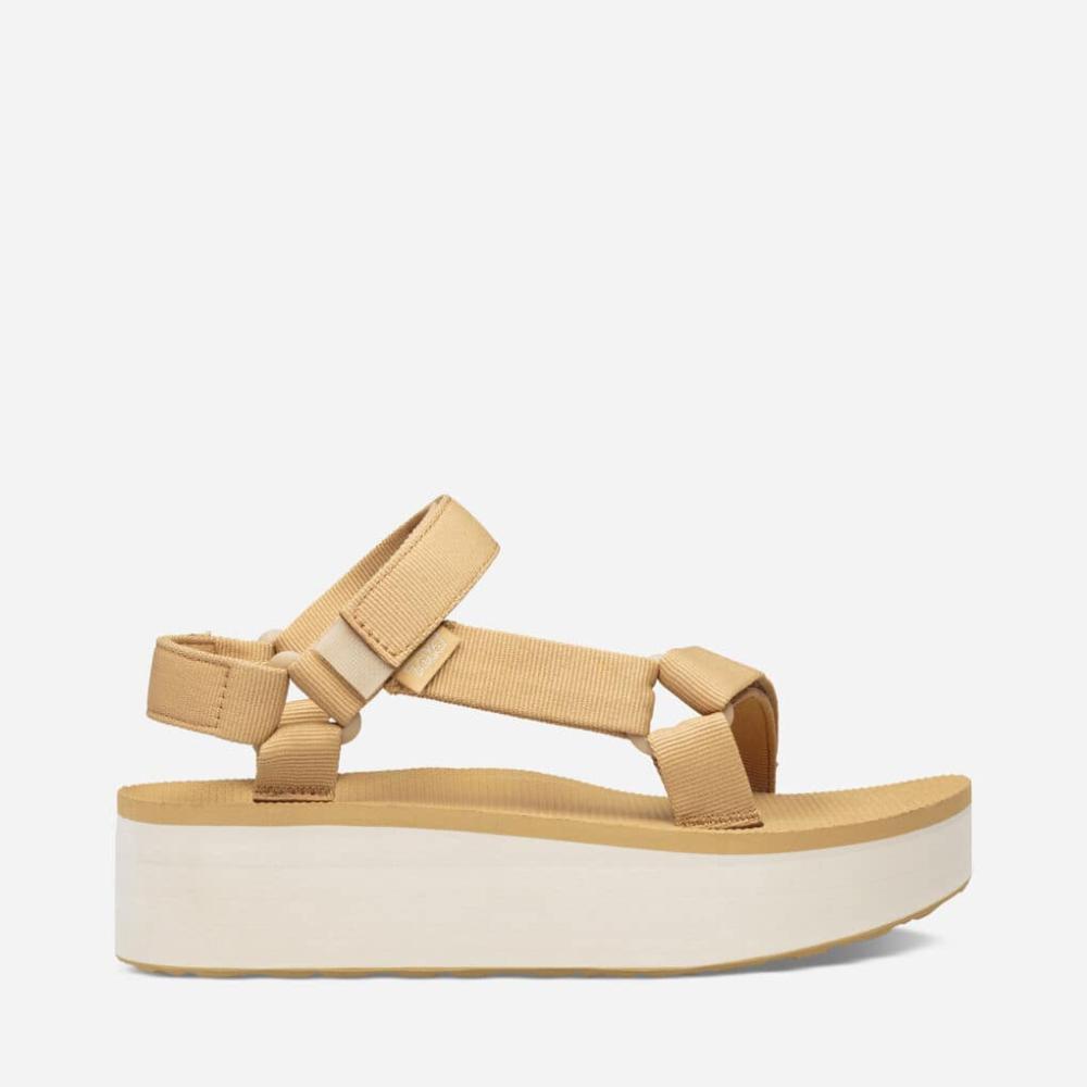 Flatform Universal in 2020 Teva flatform, Womens sandals