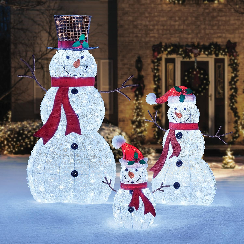 Member S Mark Set Of 3 Led Twinkling Crystal Iced Snowman Family Sam S Club Christmas Settings Christmas Yard Decorations Outdoor Christmas Decorations