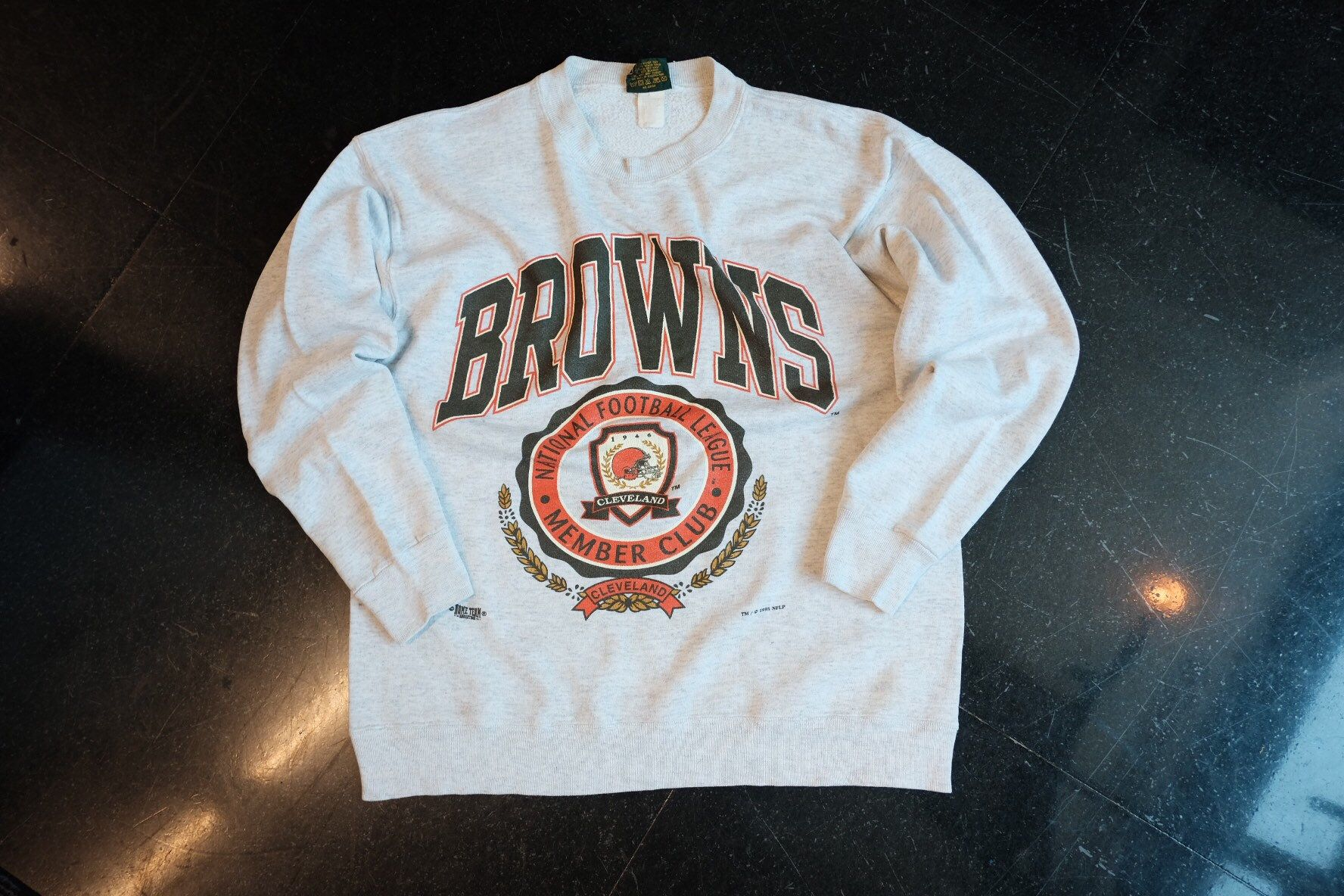 1995 Cleveland Browns Sweatshirt Nfl Football 90s Sweatshirt Etsy Cleveland Browns Sweatshirt Brown Sweatshirt 90s Sweatshirt [ 1184 x 1776 Pixel ]