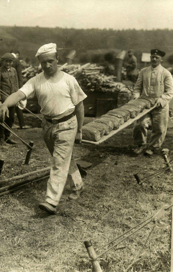 German bakers. Eastern front, 1914