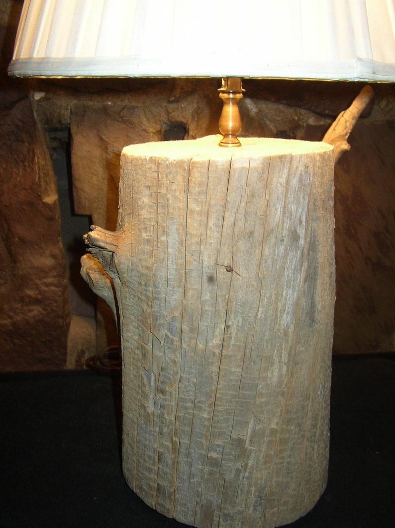 Lampe A Poser Bois Flotte Unique Souche Etsy In 2020 Stump Table Beautiful Lamp Lamp