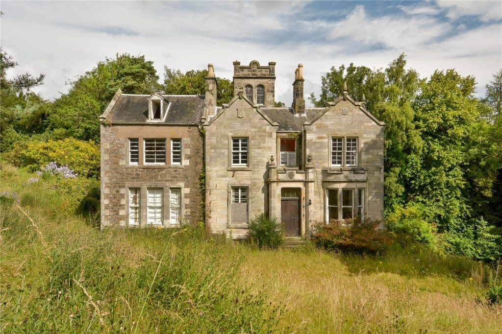 Get Your Own Incredible Outlander Style Scottish Pad For Just 200k Abandoned Mansion For Sale Mansions For Sale Mansions
