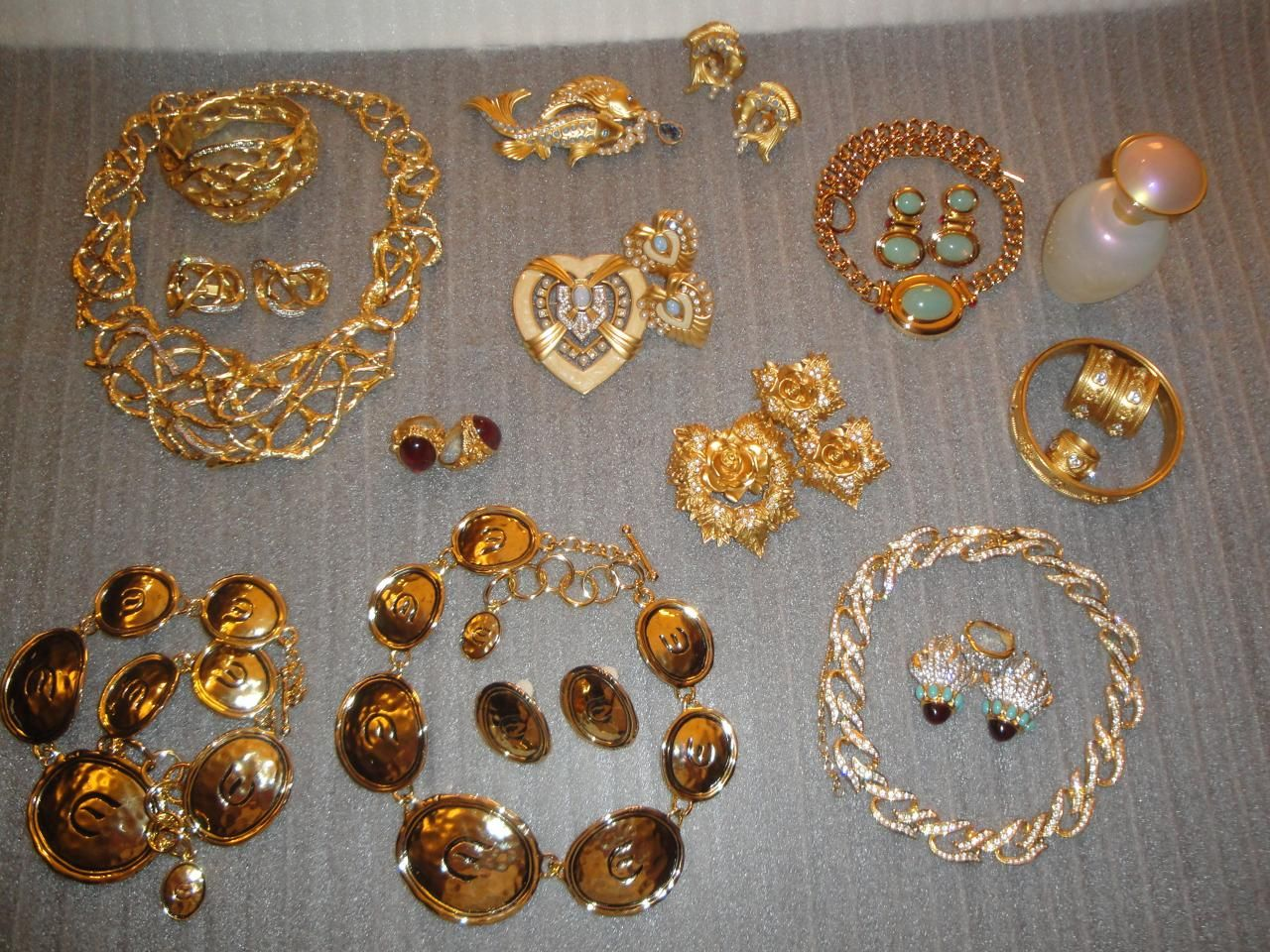 Image detail for -Taylor's Collections for Avon] 31 Piece Elizabeth Taylor Jewelry ...