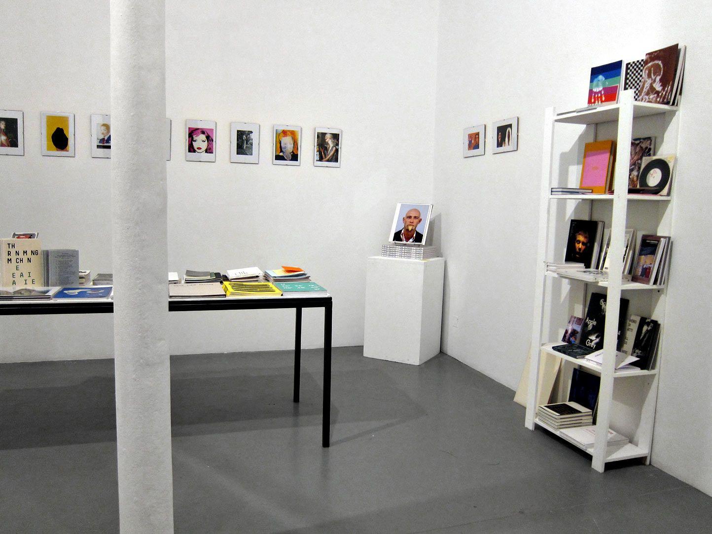 Librairie Yvon Lambert 108 Rue Vieille Du Temple Paris Amazing Art Bookshop Attached To Parisian Blue Chip Commercial Gallery Yvon Lambert Librairie