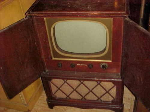 ANTIQUE TV RCA VICTOR 1949 CONSOLE CABINET 17