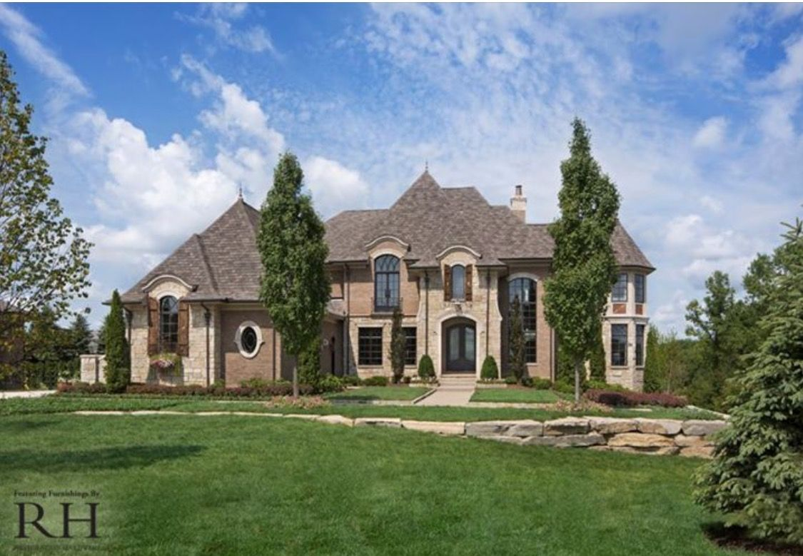 Pin by nella monaco minaudo on front house elevations for Brick and stone elevations