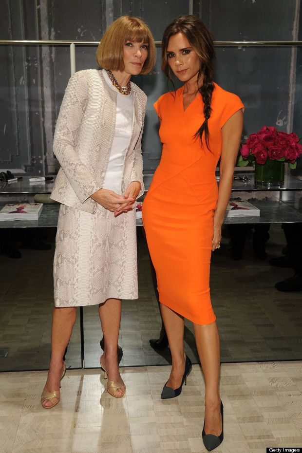 This Orange Dress... Victoria Beckham Chillaxes With Anna Wintour At ... af84e1dd277