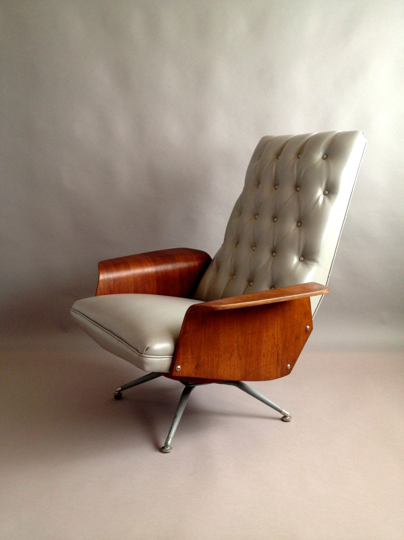 R E S E R V E D // Striking Mid Century Plycraft Mulhauser MCM Lounge Chair   Diamond Tufted  Swivel U0026 Recline  Walnut Gullwing Arms
