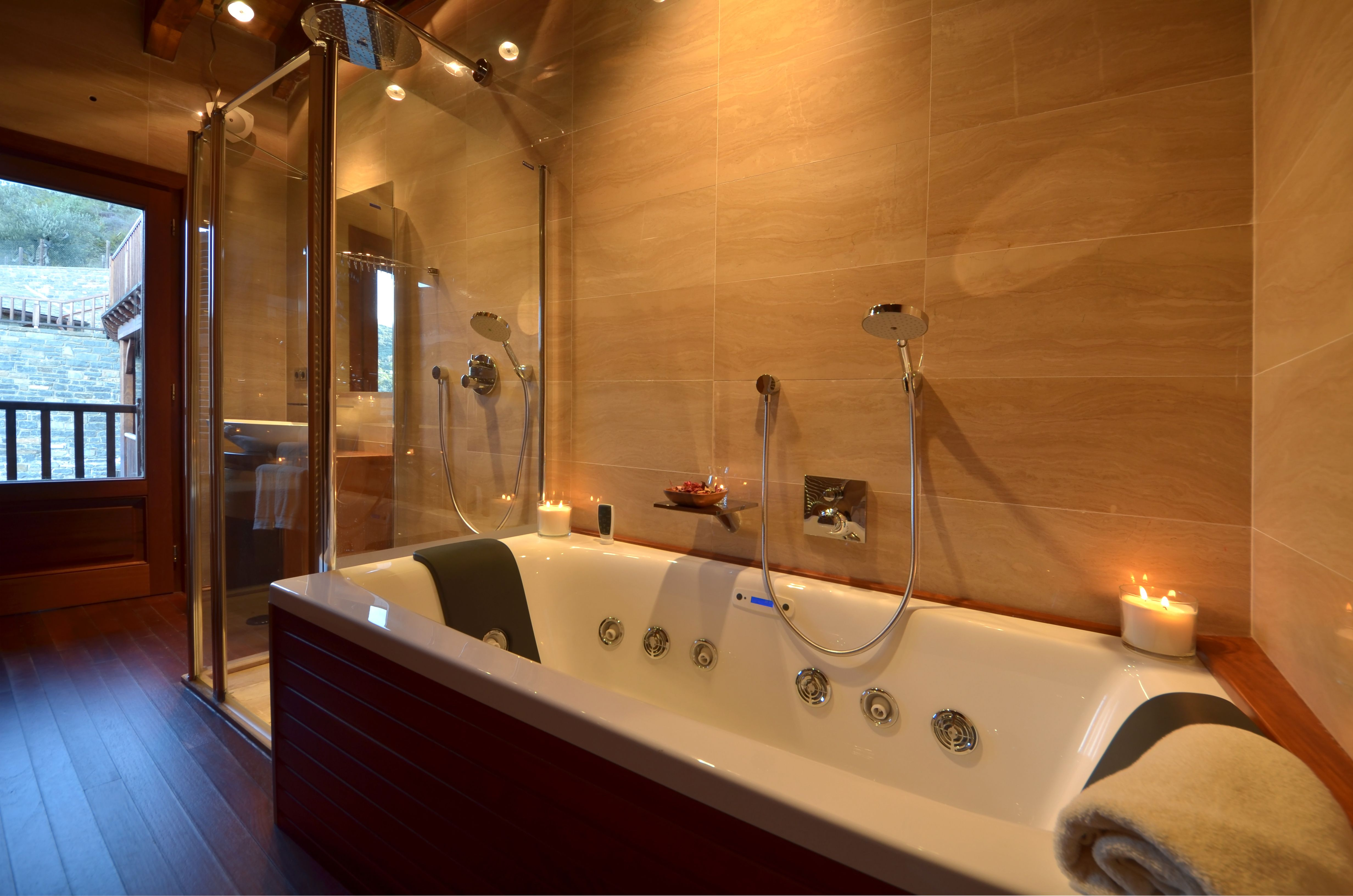 Cuarto de Baño completo: Con ducha - Bañera hidromasaje - Aseo ...