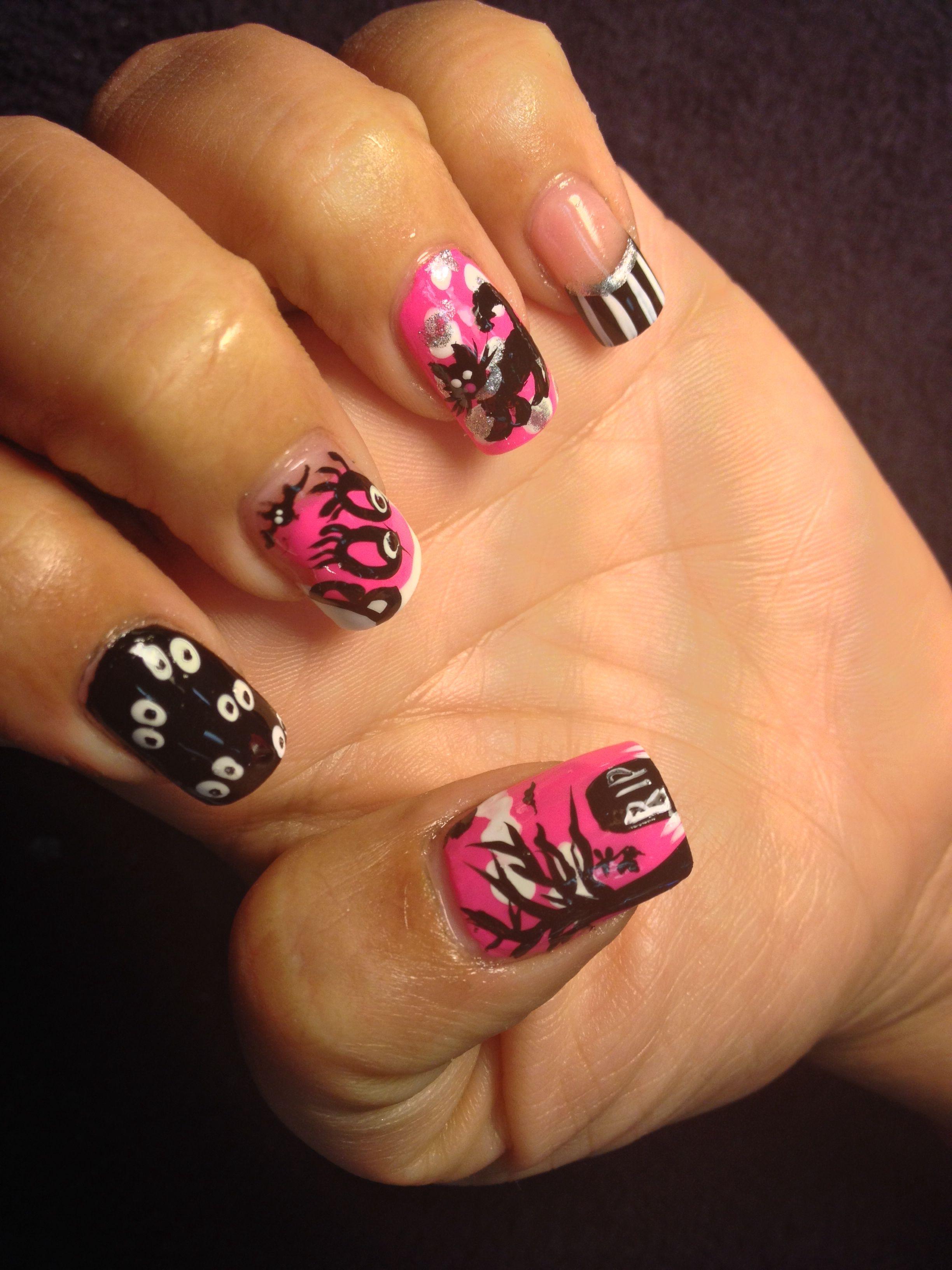 fabulous pink halloween nails keeping