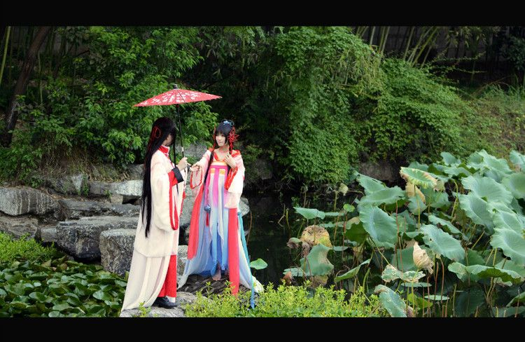 Reminescence of the Red Lotus - Luo Tianyi cosplay